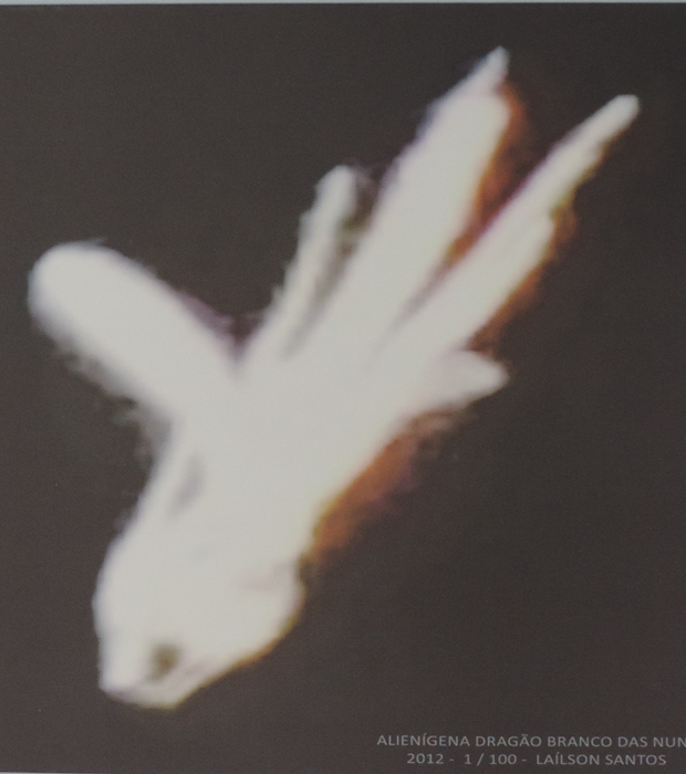 alienígena dragão branco das nunves