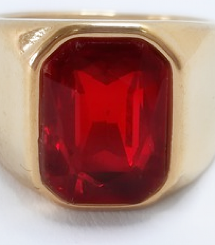 Anel aço Inoxidável Dourado Com Pedra Vermelha